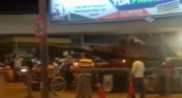 Ankara'da Tank Arabayı Ezdi! - 16 Temmuz 2016 03:30